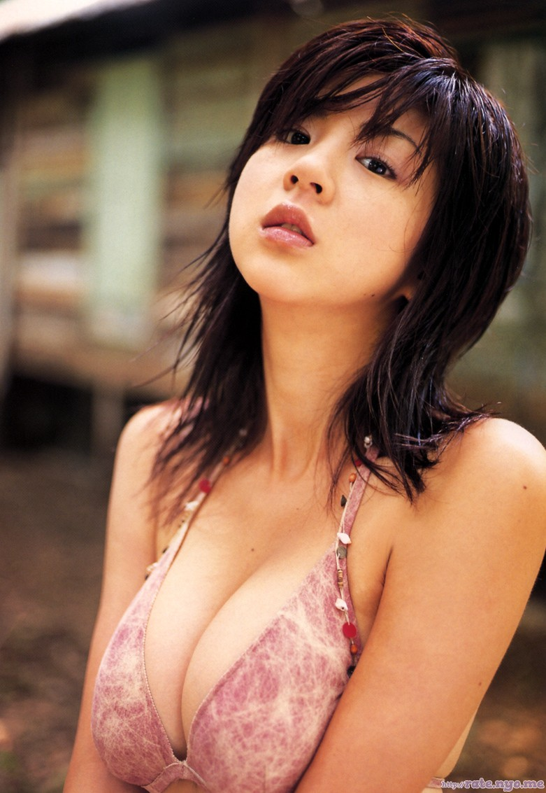 aki_hoshino bikini breasts cleavage japanese