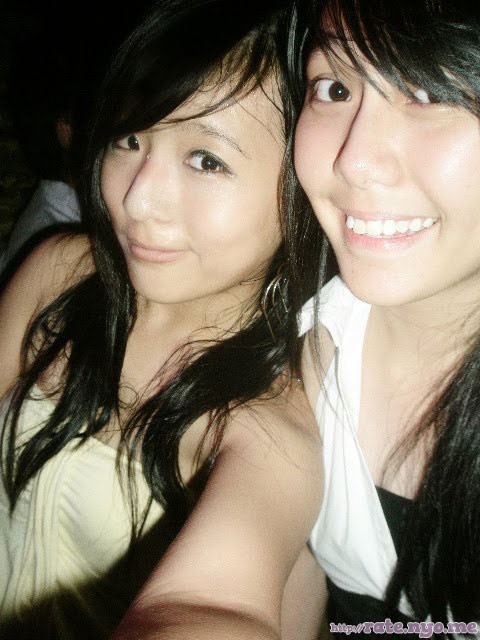 breasts malaysian non-celebrity selfshot smiling two_girls