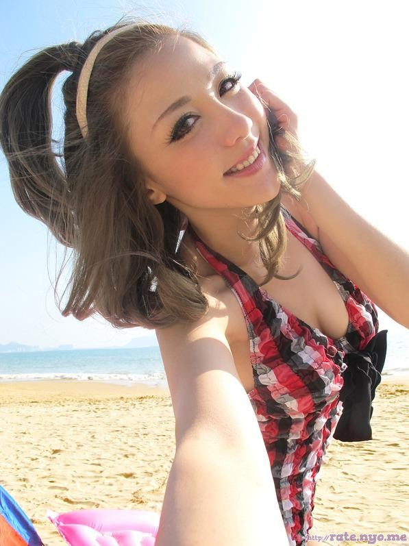 beach breasts chinese cleavage selfshot smiling