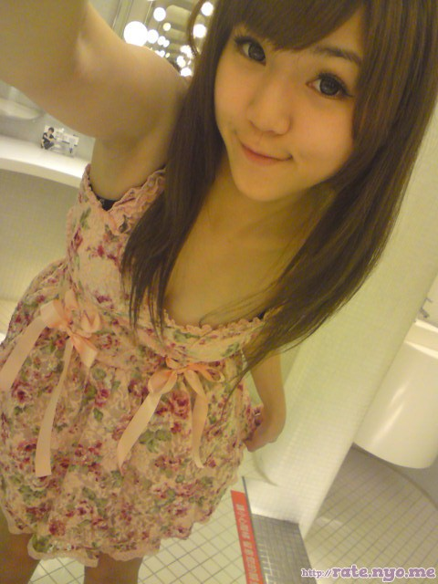 armpits chinese dress non-celebrity selfshot shoulders sleeveless