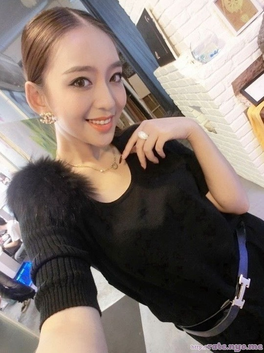 chinese non-celebrity selfshot smiling