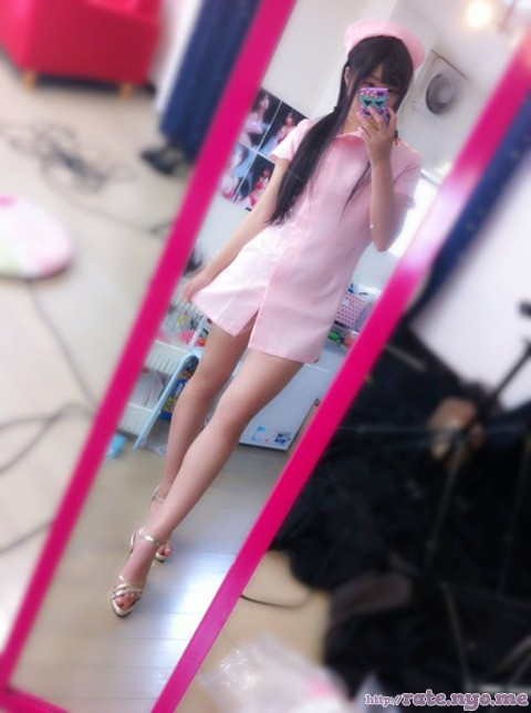 feet full_body japanese legs non-celebrity nurse sandals selfshot standing thighs