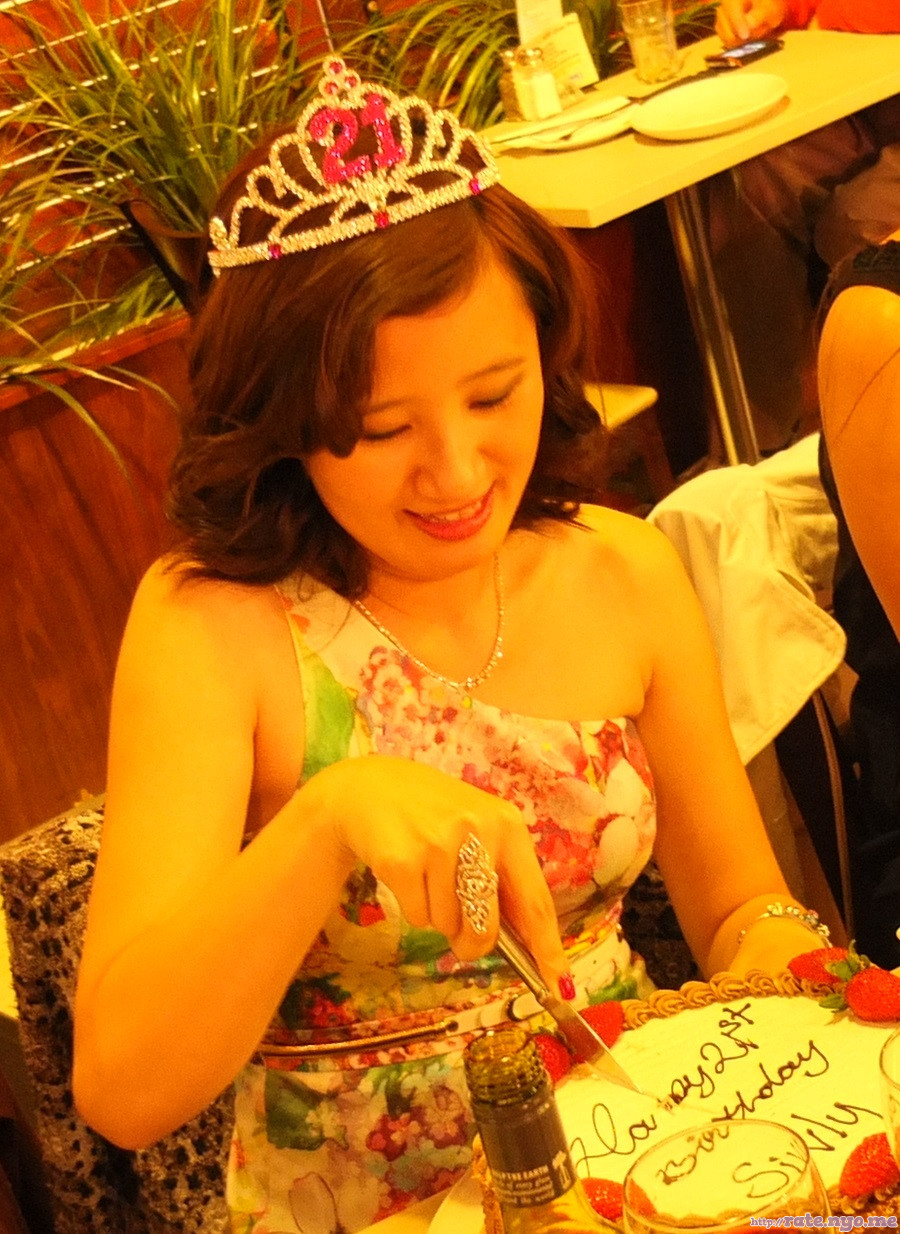chinese dress non-celebrity shoulders sleeveless smiling tiara
