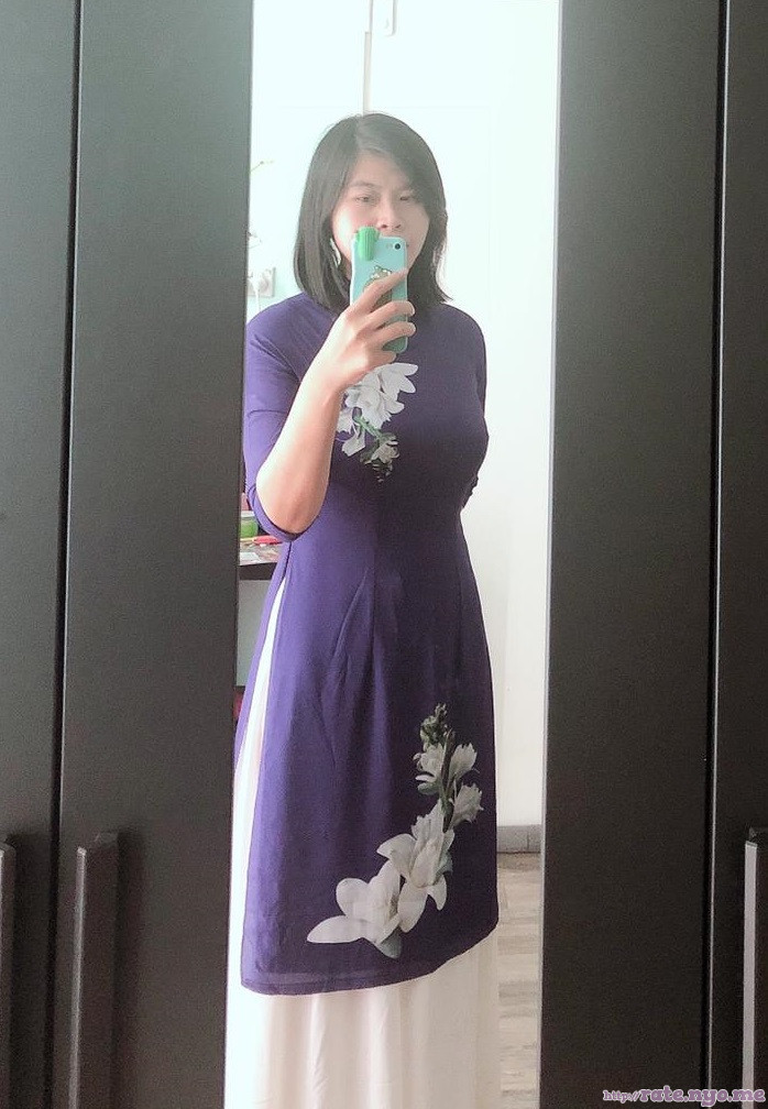breasts dress non-celebrity selfshot vietnamese